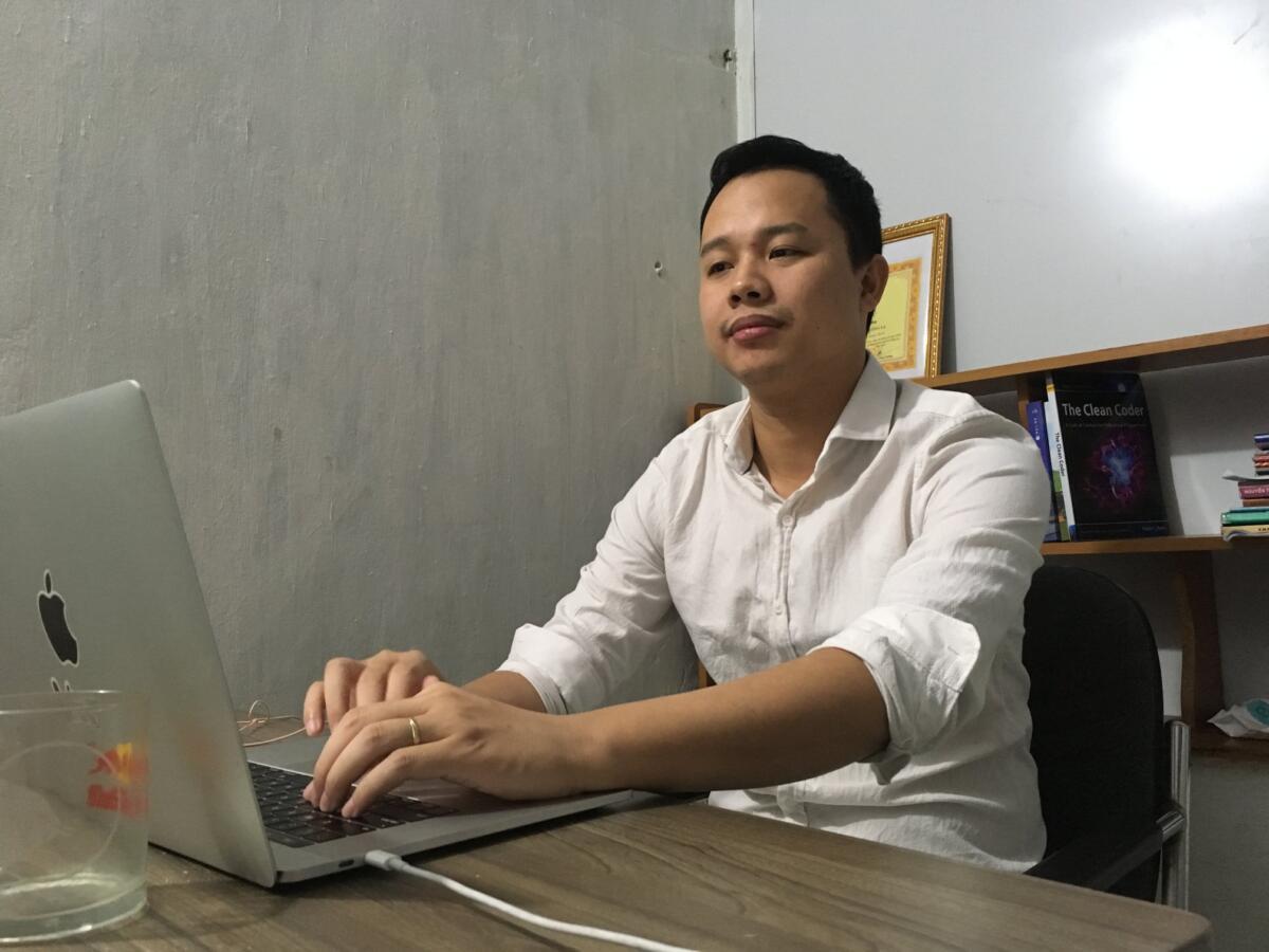 GV Nguyễn Mạnh Hưng